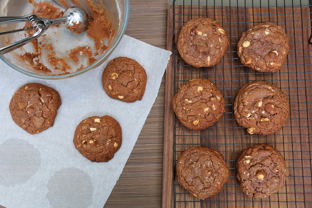 Comment faire les meilleurs cookies au chocolat noisette - Comment faire griller des noisettes fraiches ...