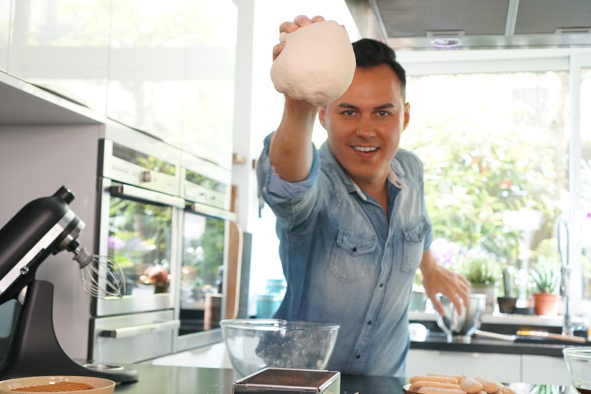 Ebook herv cuisine 10 ans de recettes g niales sur le web - Herve cuisine buche de noel ...